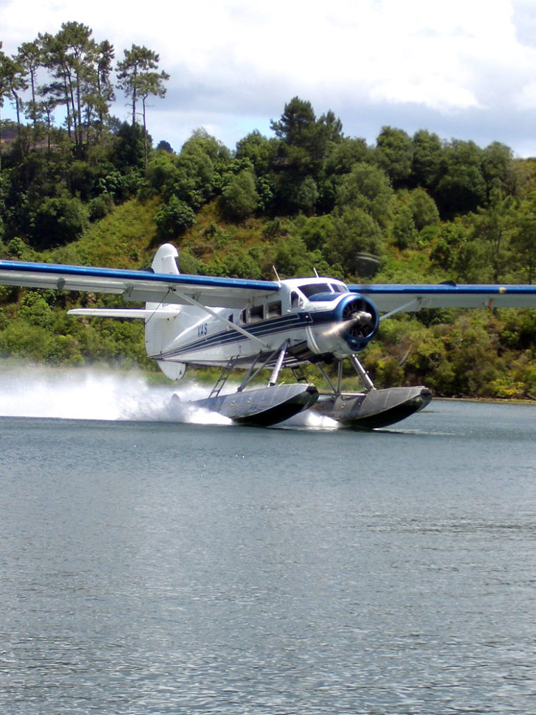 Floatplane Geothermal Tours - Volcanic Air